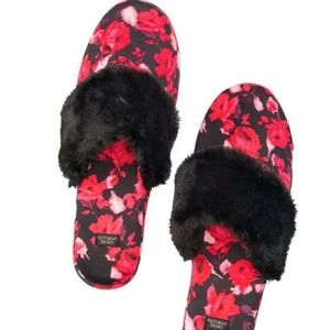 Victoria Secret pink slippers size S (5-6)